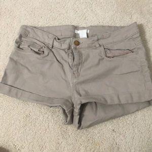 WORN ONCE H&M Khaki Shorts